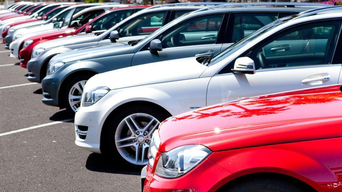 Названа средневзвешенная цена автомобиля в РФ