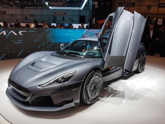 Самые интригующие новинки на Международном автосалоне в Женеве