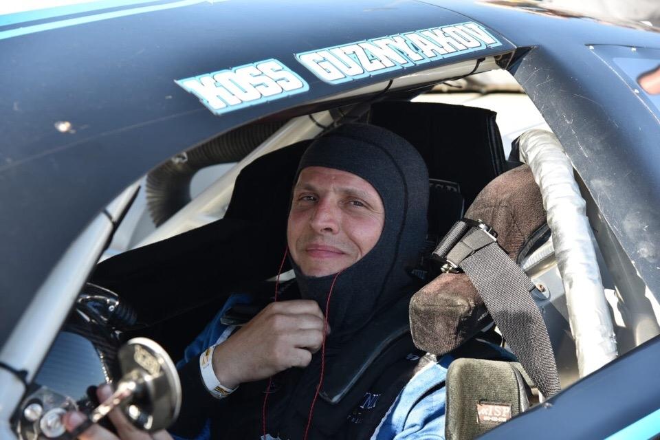 Российский гонщик участвует в легендарных гонках NASCAR